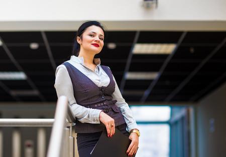 jornada de trabajo: Retrato de una mujer de negocios en un buen d�a de trabajo