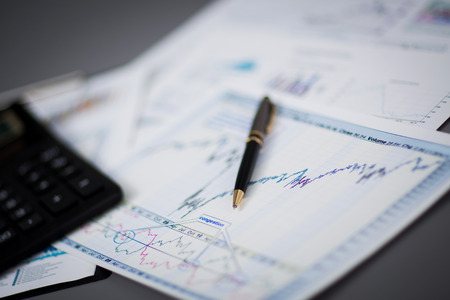 Business graph Analysebericht. Buchhaltung Standard-Bild - 36362974