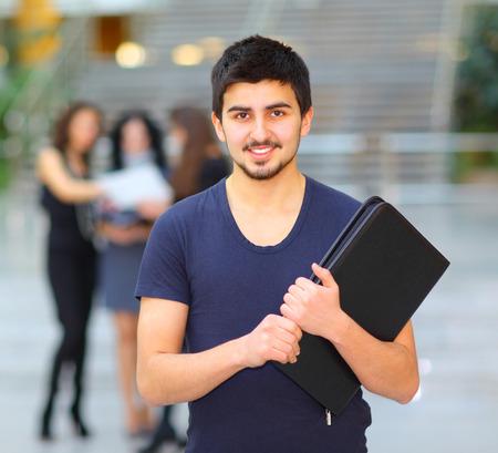 estudiantes: Grupo de estudiantes felices. Foto de archivo