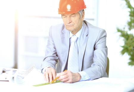 corrects: Engineer the age of considering plans drawing and corrects them.