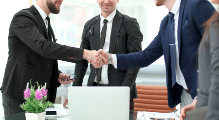 handshake of business partners after discussion, the Finance project 스톡 콘텐츠