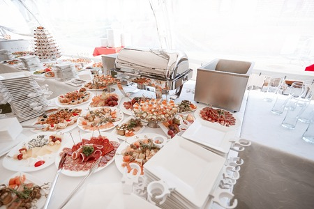 buffet table with a variety of dishes in the modern restaurant Stockfoto