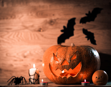 Pumpkin for Halloween on a wooden table Banque d'images - 124687155