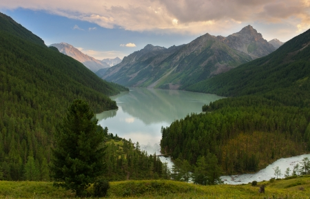 Mountain Lake, West-Siberië, Altai bergen, Katun ridge Stockfoto