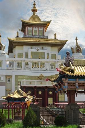 Dimora d'oro di Buddha Shakyamuni � stato costruito nel 2005 dC, nel sud della Russia, in Elista