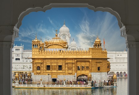 harmandir sahib: Famous indian landmark - Sikh gurdwara Golden Temple Harmandir Sahib. Amritsar, Punjab, India
