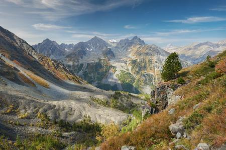 Beautiful autumn landscape, view of the mountain range to the nearest Pass, Russia, Siberia, Altai Mountains, Katun Range. Stock Photo