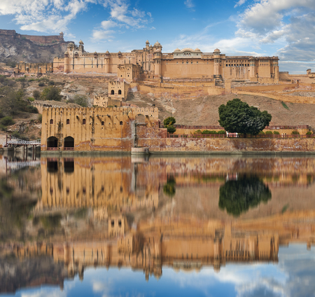 kilometres: Amer Fort  is located in Amer, a town with an area of 4 sq. kilometres, not far from Jaipur, Rajasthan state, India. Located high on a hill, it is the principal tourist attraction in the Jaipur area.