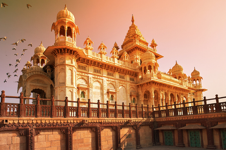 The Jaswant Thada is a cenotaph located in Jodhpur, in the Indian state of Rajasthan. It was used for the cremation of the royal family of Marwar. Jodhpur Rajasthan India. 新聞圖片