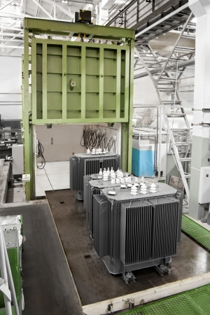manufactory: vacuum casting chamber for producing a large depth of field