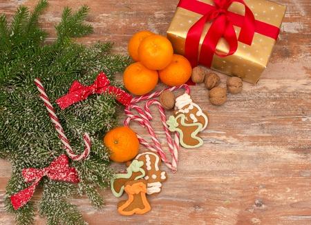 Mandarijnen, geschenkdoos en schatten, kerststemming