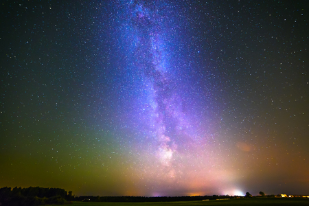 starlit sky: Stars in the night sky. night background