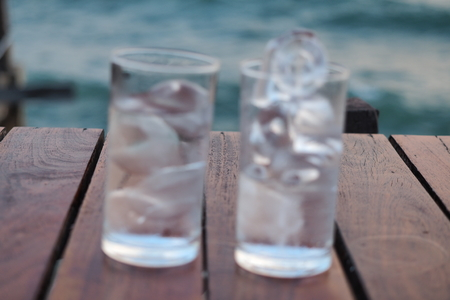 Glass of ice water Imagens - 56574310