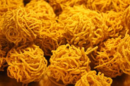 noodle crispy food thai