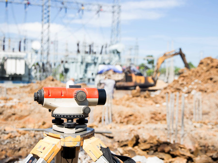 tacheometer: Surveyor equipment tacheometer or theodolite outdoors at construction site Stock Photo