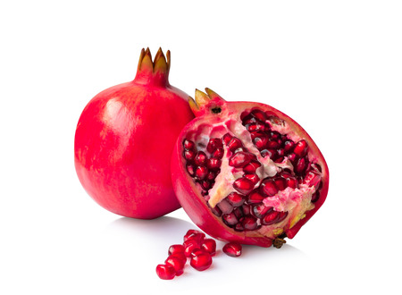 Granatapfel isoliert auf weißem Hintergrund. Standard-Bild