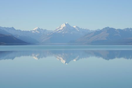 repulse: Mountain Cook,Lake Pukaki, New Zealand