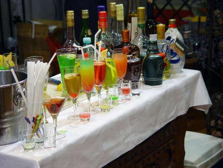 barmen: cocktail