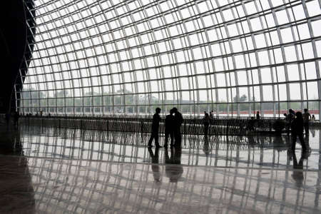 Big windows roof with geometric steel structure