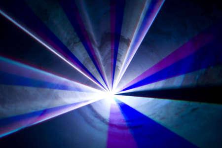 Kleurrijke disco met speciale effecten en fan tas tic laser show