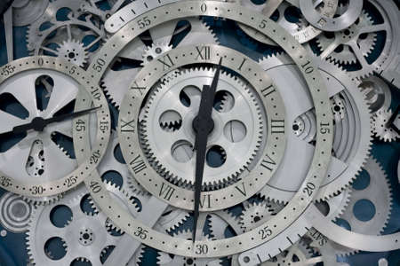 Detailansicht der Zahnräder von Uhr arbeitet.
