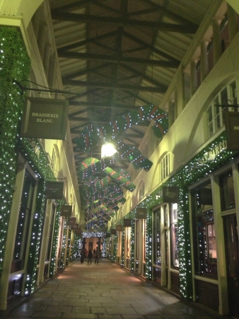 covent: Christmas at Covent Garden