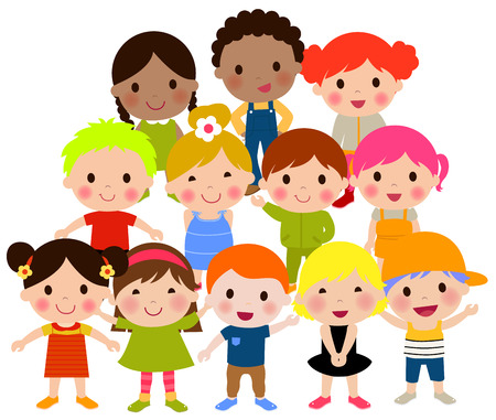 niños sentados: Grupo de niños