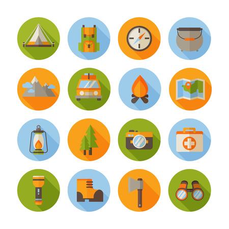 Eine Reihe von Wander flache Ikonen im modernen Stil mit Camping-Infografik-Elemente - Auto, Zelt, Lagerfeuer, Berge, Bäume, Kamera, Rucksack, Karte Standard-Bild - 43143144