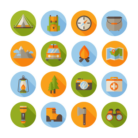 A set of hiking flat icons in modern style with camping infographic elements - car, tent, campfire, mountains, trees, camera, bagpack, map Vettoriali