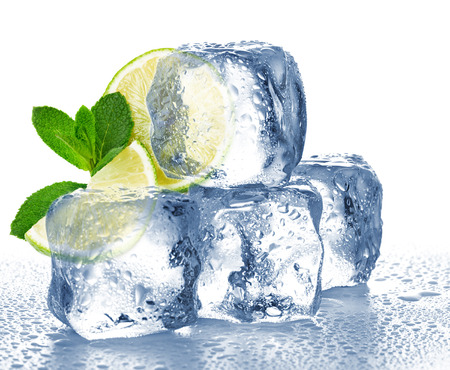 Lime, mint and ice cube isolated Banque d'images