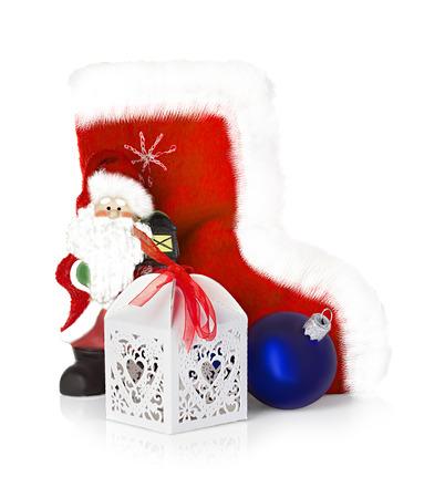 botas de navidad: Botas de Pap� Noel y de la Navidad aisladas en el fondo blanco