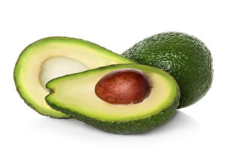 Avocado geïsoleerd op een witte achtergrond.