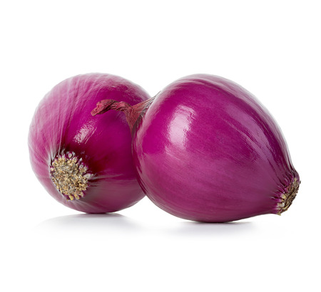 red onions: Red onions isolated.