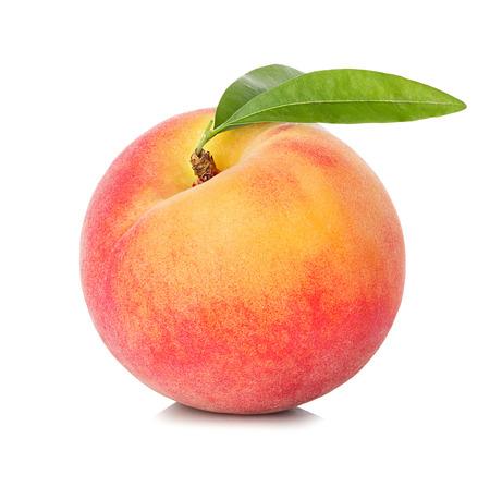 durazno: Peach aislados en fondo blanco