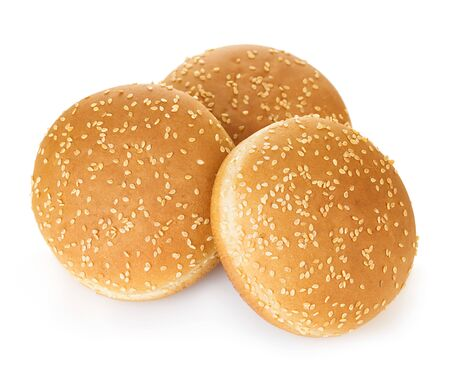 Burger bun with sesame seeds isolated on white Banque d'images