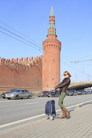 came: Beautiful girl came to the conquer Moscow.