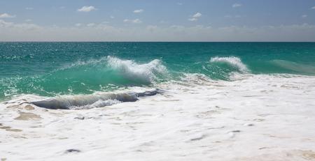 cocos: Bustling Caribbean Sea. Playa los Cocos. Cayo Largo. Cuba.