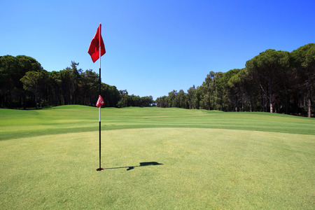 golf clubs: Flag on the golf course. Belek in Turkey.