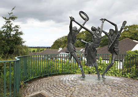 county tipperary: Statue of dancers in the city of Cashel in Ireland. County Tipperary in Ireland.