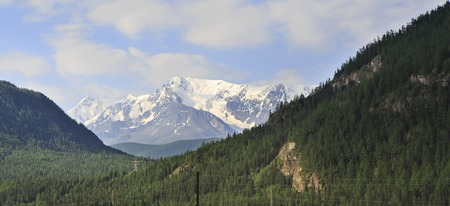 north ridge: Snow caps of the North Chuya ridge.