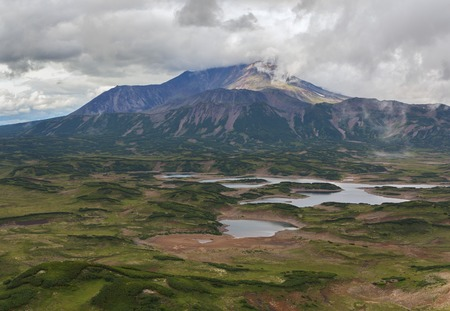 hot temper: Uzon Caldera in Kronotsky Nature Reserve on Kamchatka Peninsula. View from helicopter. Foto de archivo