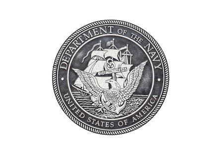 白い背景に米海軍公式シール。 報道画像