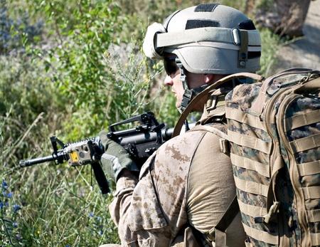 guerra: EE.UU. soldado en acci�n