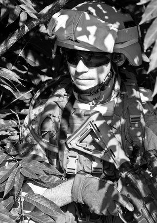 iraq war: soldier n the jungle Stock Photo