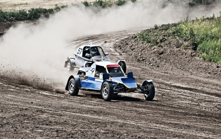 buggy: two buggies for extreme off-road on the track