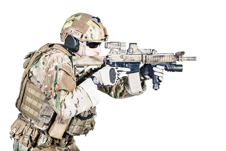 assault forces: Bearded special warfare operator with assault rifle