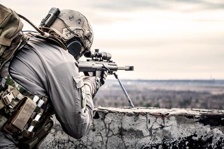 snajper: Snajper US Army podczas operacji wojskowej