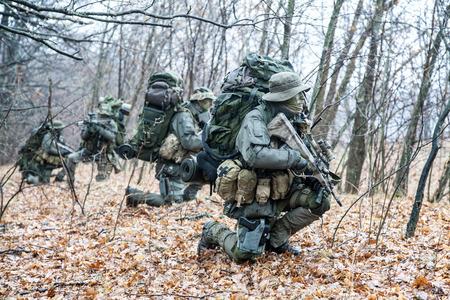Groep jagdkommando soldaten Oostenrijkse speciale krachten tijdens de inval