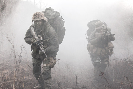 Group of jagdkommando soldiers Austrian special forces in the smoke 版權商用圖片 - 37064773