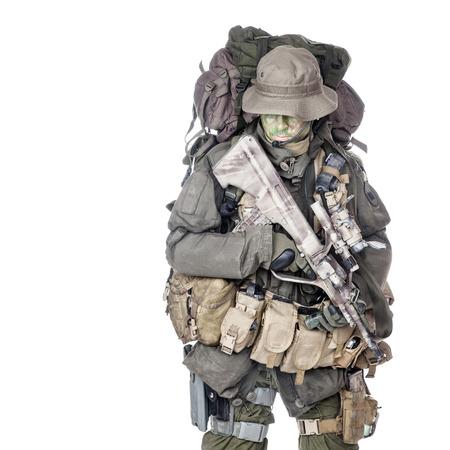 Jagdkommando soldaat Oostenrijkse special forces uitgerust met aanvalsgeweer Stockfoto - 37064791